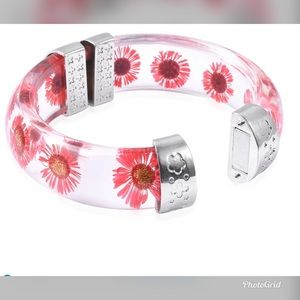 "Chroma and Red Pressed Flower Bangle Bracelet 8"""